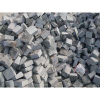 青石马蹄砖、青石马蹄石、青石小方块、青石草坪石