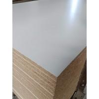 刨花板厂家免漆颗粒板橱柜板山东板材工厂